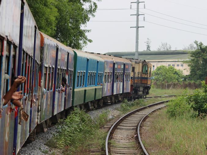 yangon-circle-train3